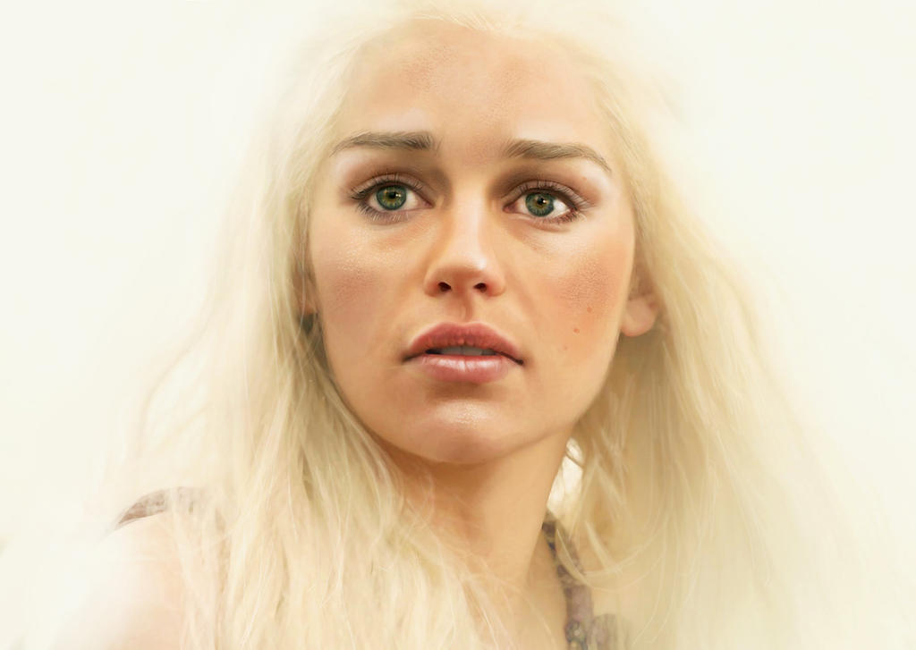 Daenerys Targaryen by Nessa-O