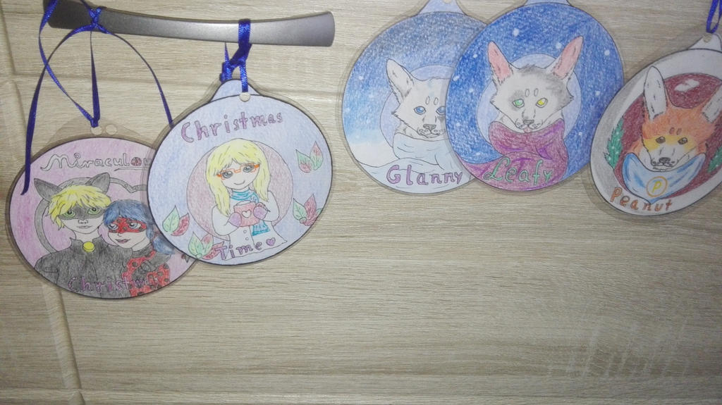 Christmasbubble badges by oOFrosteehOo