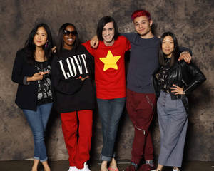 WE ARE THE CRYSTAL GEMS! (Cast of Steven Universe)