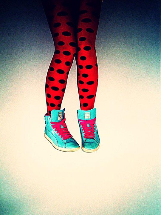 retro legs. by vycapeneMORCE