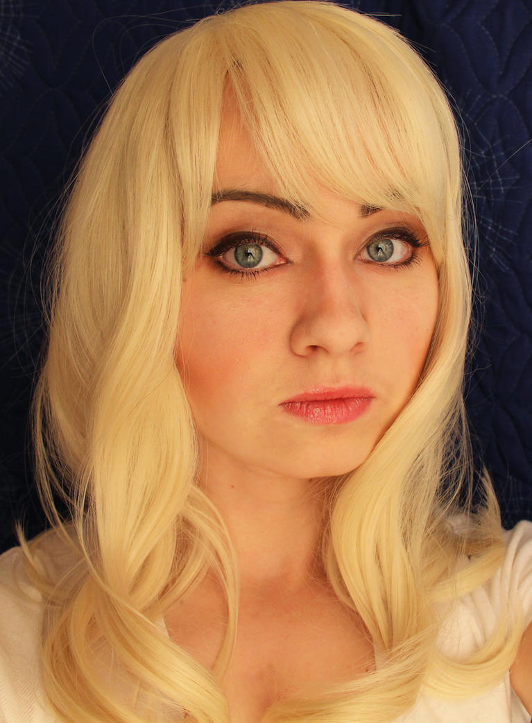 Gwen Stacy by GrangeAir
