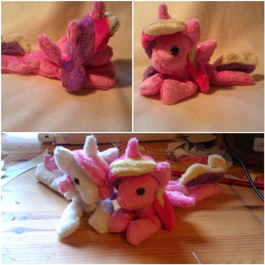 Pony Plushies - Page 3 Princess_cadence_and_fluer_beanie_babies_by_arualsti-d5mg37d