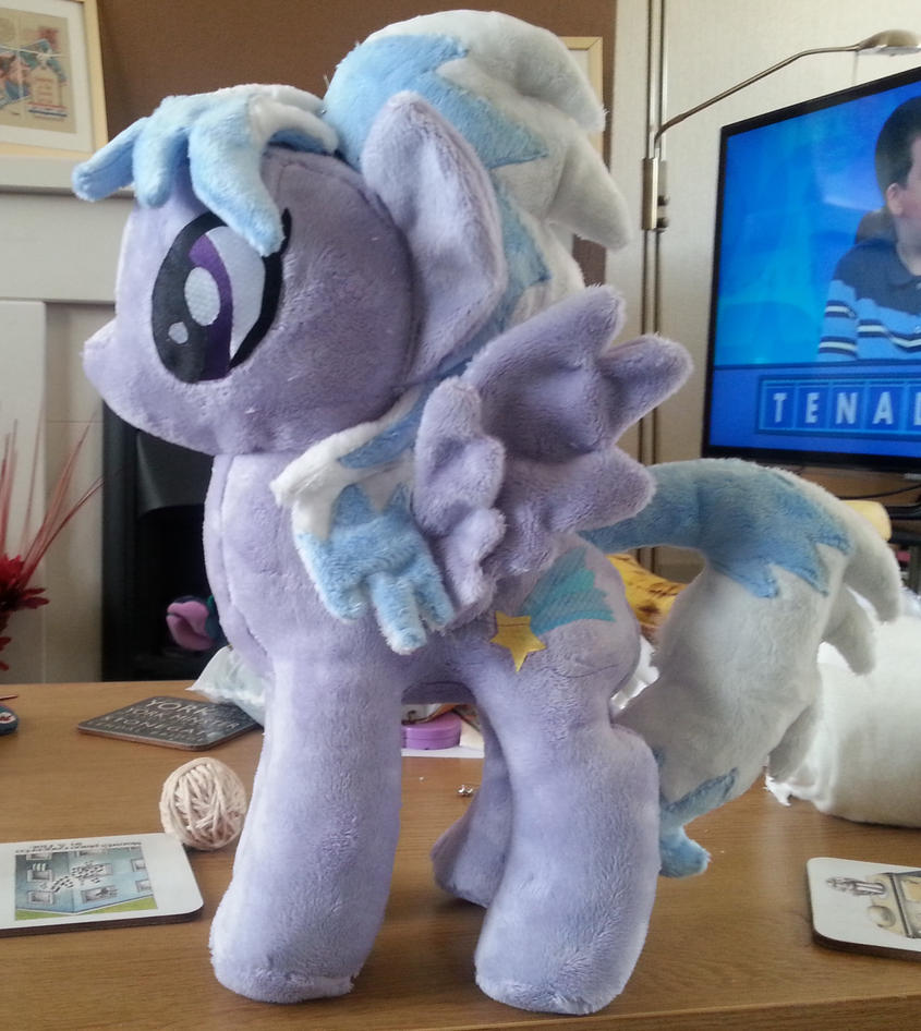 Cloudchaser WIP by Arualsti