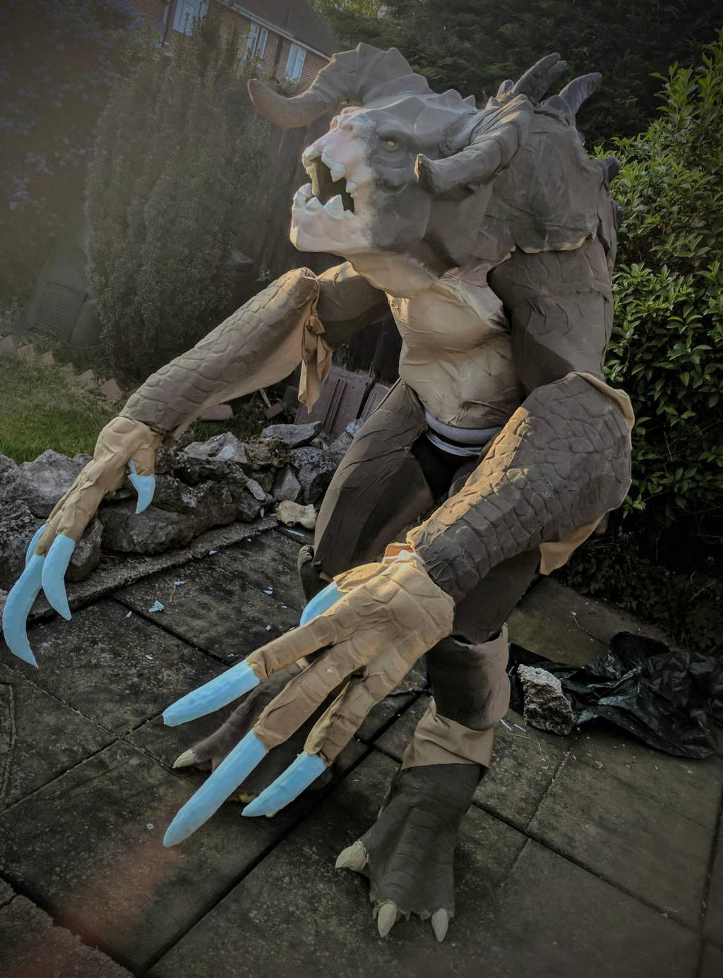 Deathclaw cosplay WIP by Arualsti