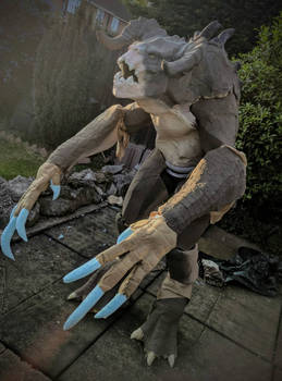 Deathclaw cosplay WIP