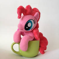 Pinkie Pie in the cup by Burgunzik