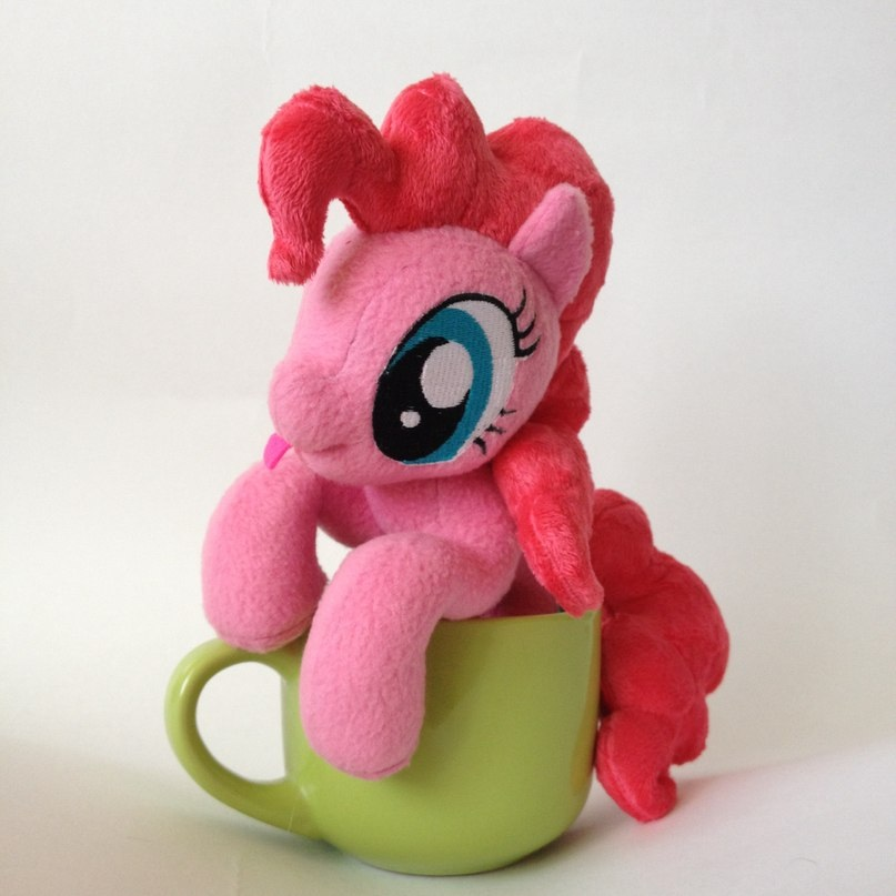 Pinkie Pie in the cup by RufousCat