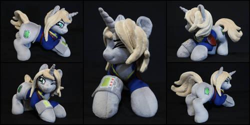 Plushie Littlepip - Fallout Equestria by Burgunzik