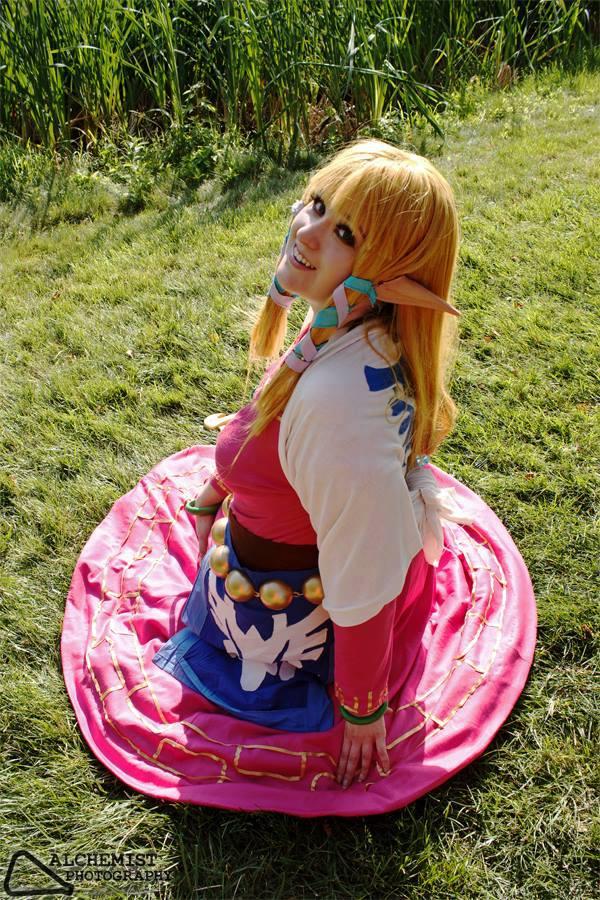 Zelda Smiling by AmericanNia