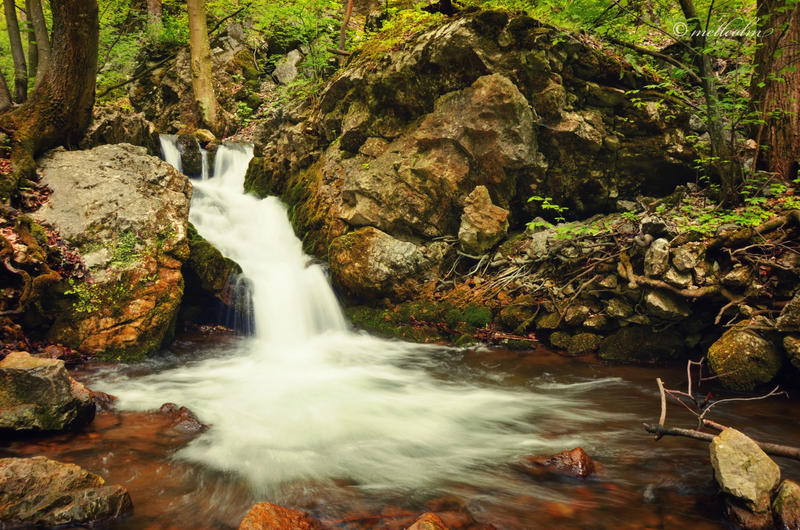 Waterfall in Zadiel valley by mellcolm