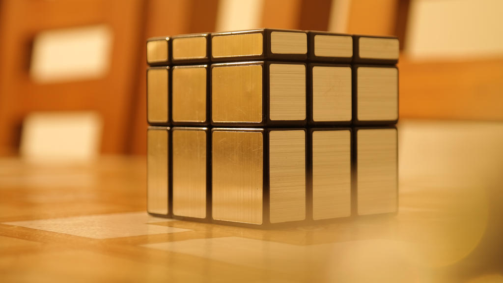 Just a Mirror Cube by KayserTXR
