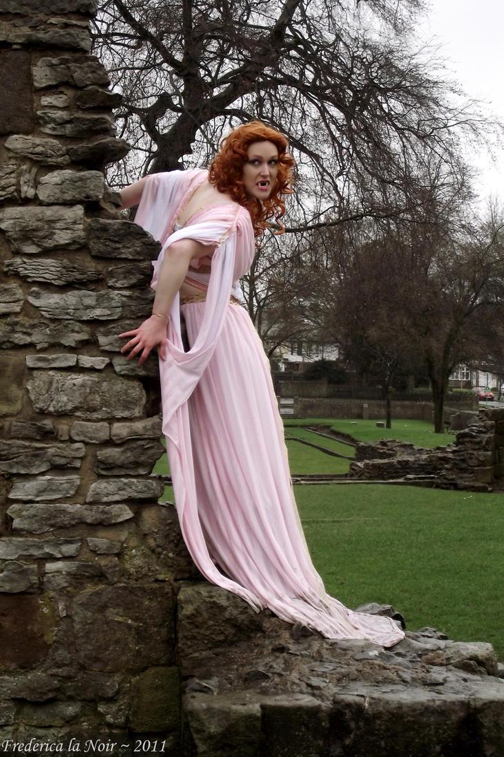 Aleera Cosplay Dracula's Bride by Frederica-La-Noir