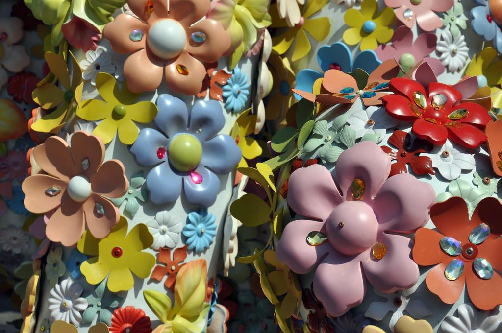 Metal flowers 2 by dpt56