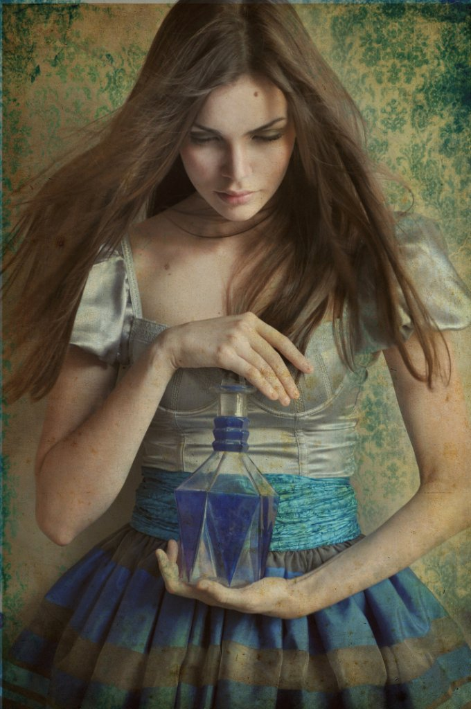 Alice by andreylourenco