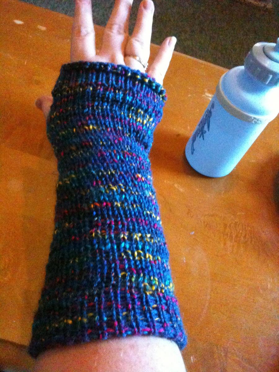 Loom Knitting Pattern For Fingerless Gloves : loom knit fingerless gloves by almightyraz on DeviantArt