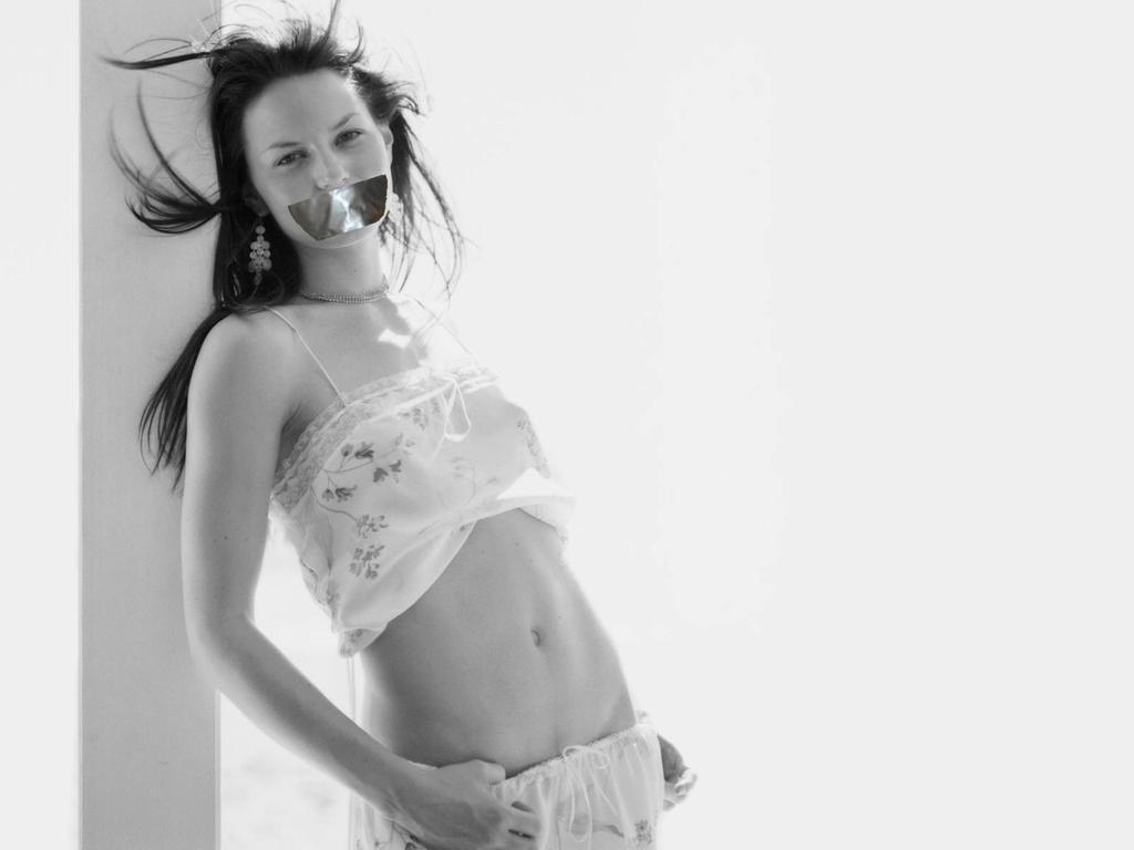 Jennifer Morrison Gagged by N099ER