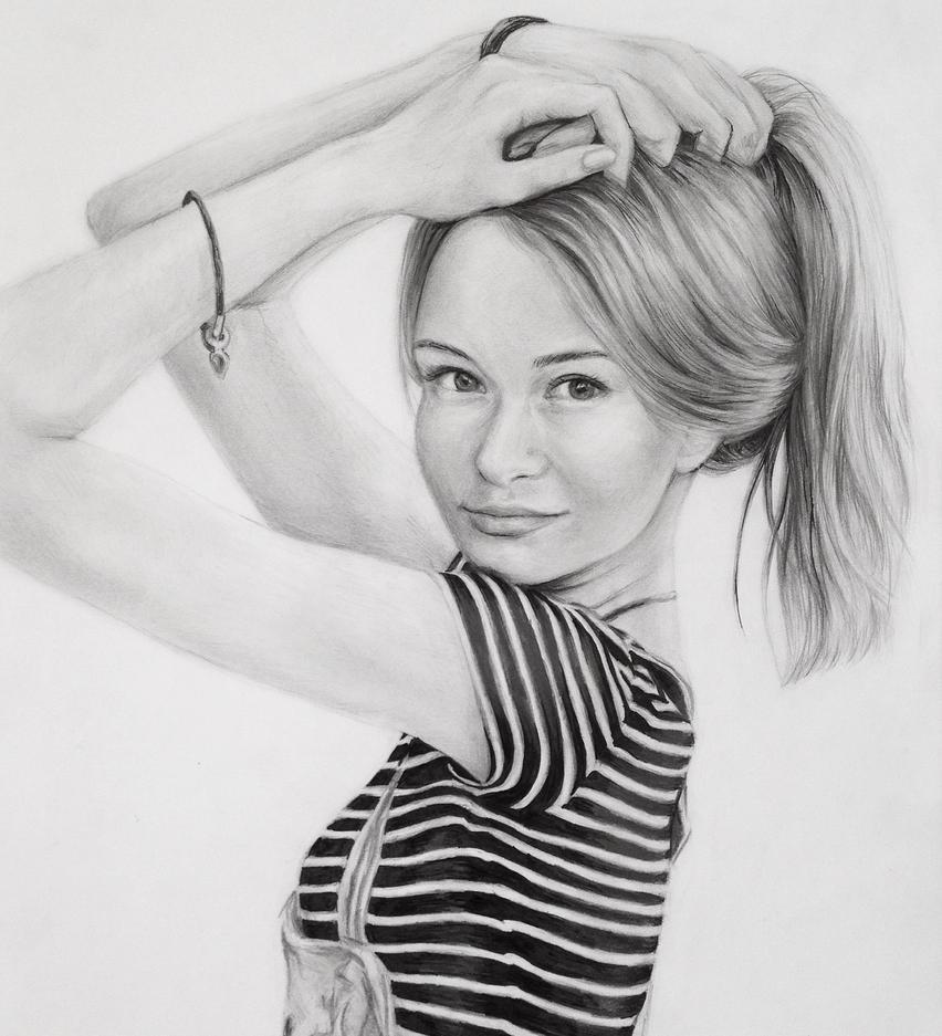 Portrait I by lv-curlzz