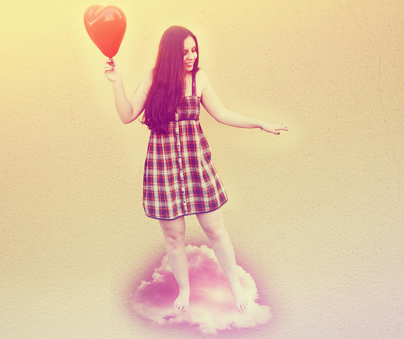 The girl, the heart and the cloud. by EneKiedis