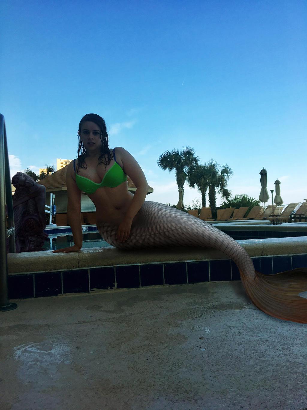 A true mermaid into the pool