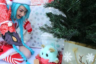 My Slay Belle Jinx Cosplay - Poro Present by Embura