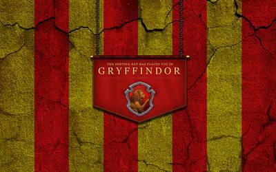 Gryffindor Wallpaper (Cracked wall saga)