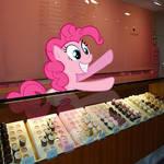 Pinkie Pie's Cupcake Shop...!?