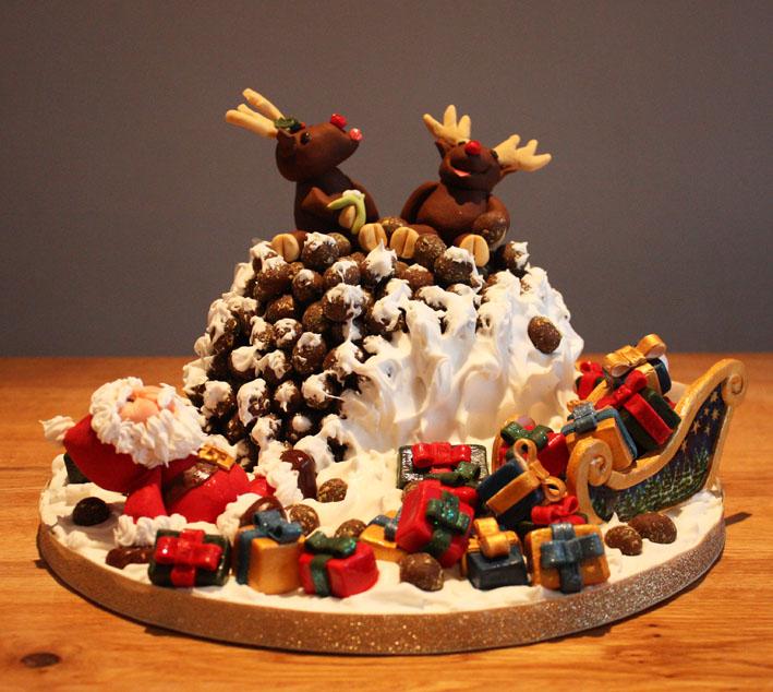 Naughty Reindeer Christmas Cake