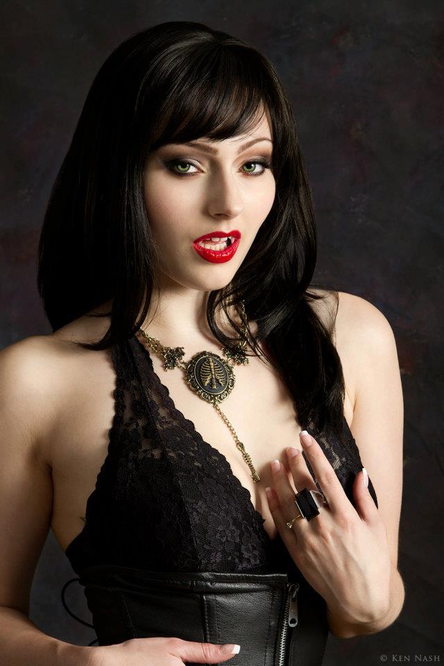 Vampiress by IsisNoir