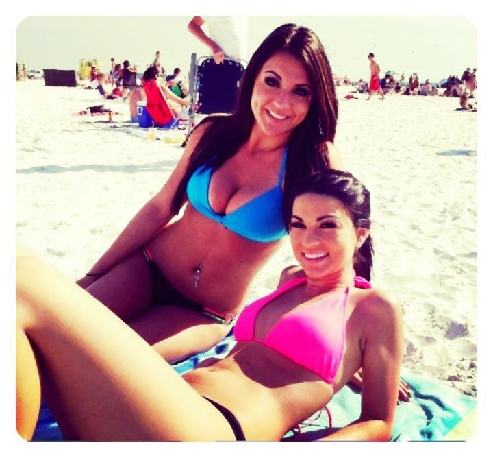 Beach Babes by thegirl1313