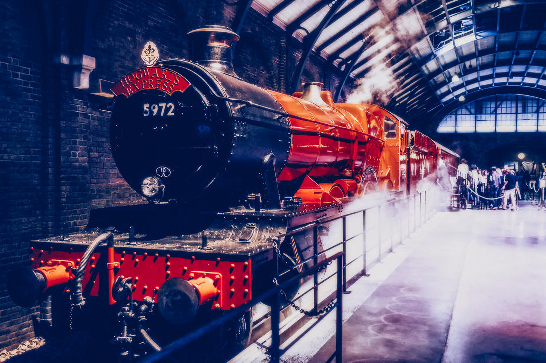 The Hogwarts Express by calimer00