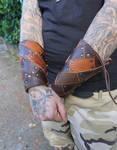 Wide cuffs by MARIEKECREATION
