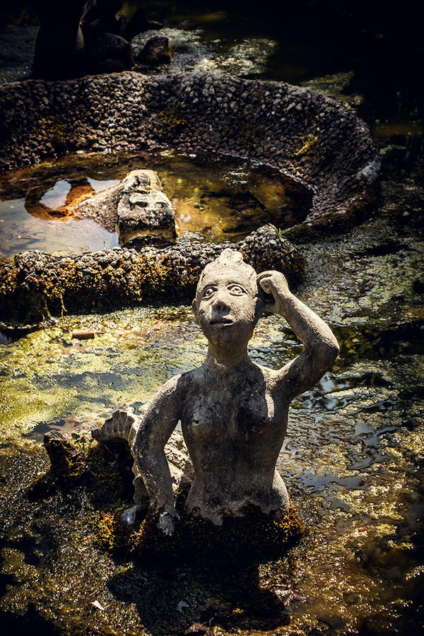 Statue by pedrocasoa