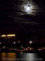 Full moon in the city by sirena-pirey