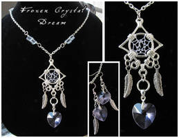 Frozen Crystal Dream - necklace by SaQe
