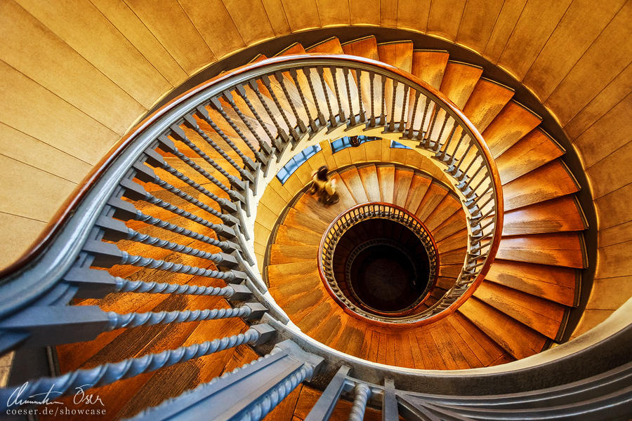 Heal's London Staircase 02