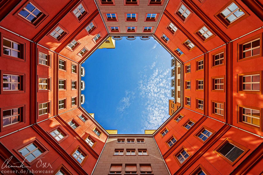 Berlin Octagon by Nightline