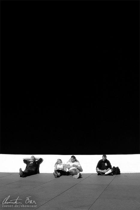 Black Relaxing by Nightline