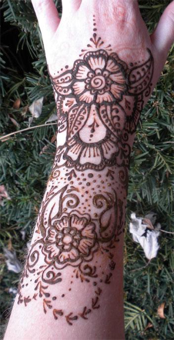 Henna Flower Gauntlet Version 2