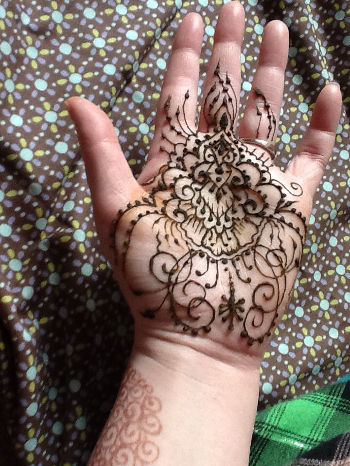 Henna floral swirls palm