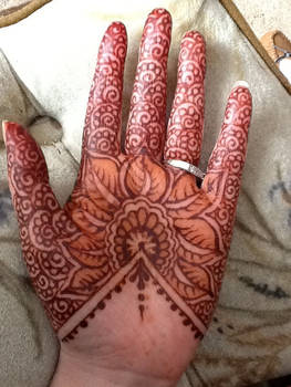 Henna Floral Lace palm