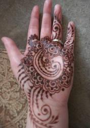 Henna Swirl Floral Palm