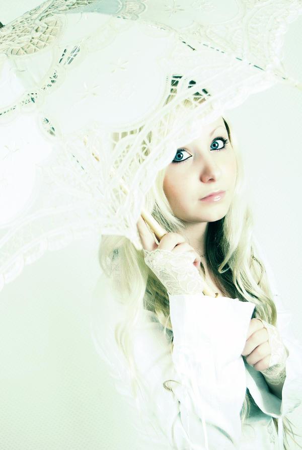 Girl under the umbrella by IRA PUSSYCAT - Avatar Bulmaca
