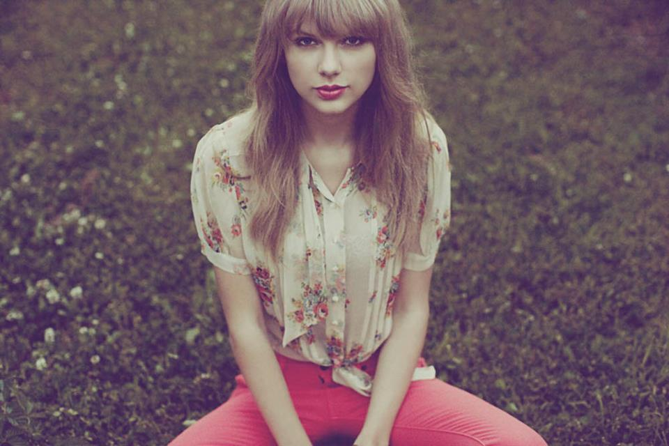 Taylor Swift - Red Photoshoot +5 by BananaPhotopacks on ...