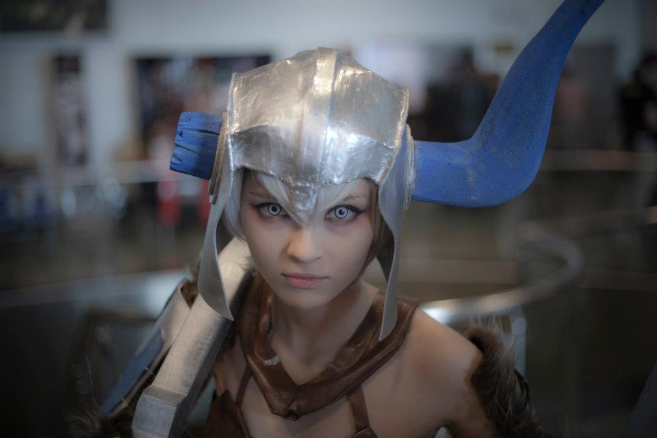 Sejuani Portrait: Sejuani Cosplay By Altugisler On DeviantArt