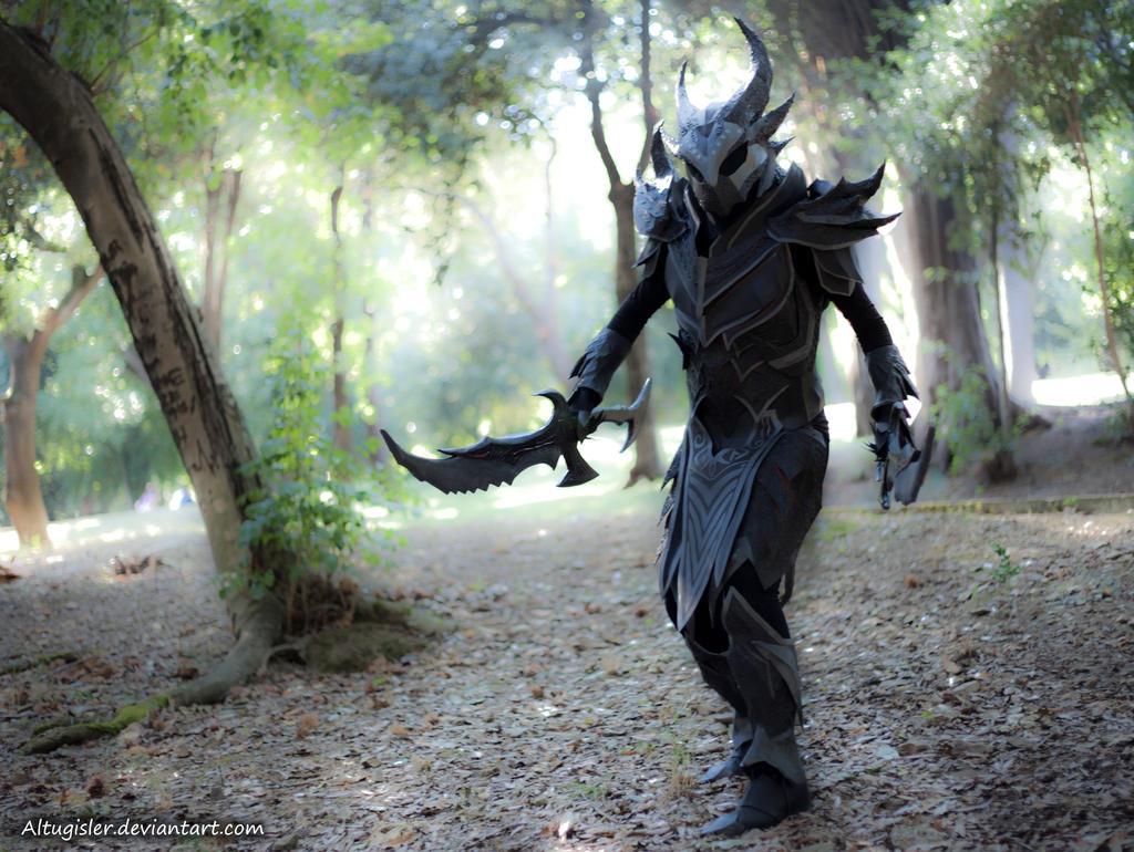 Skyrim cosplay - Daedric Armor 2 by altugisler