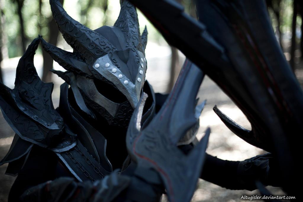 Skyrim cosplay - Daedric Armor 4 by altugisler