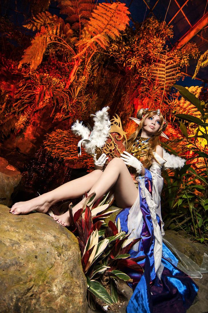 Forsaken World - Elven Priestess by kazereivolt