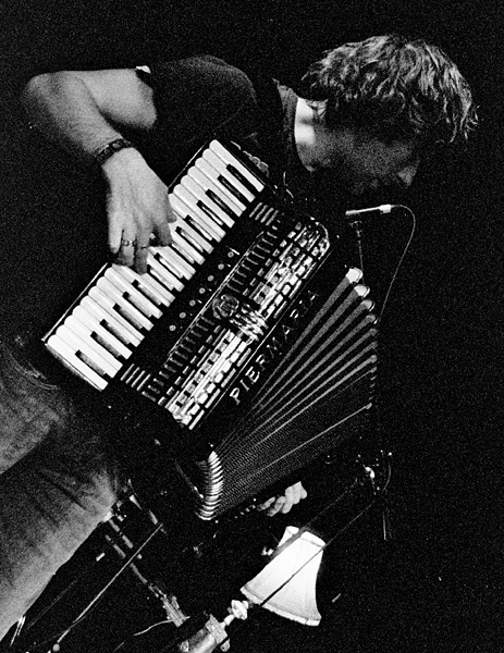 Yann Tiersen on Accordian by jamidodger84