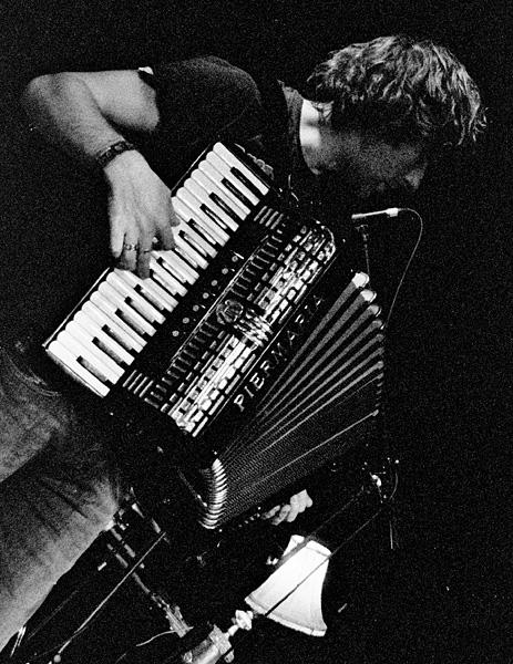 Yann Tiersen on Accordian by jamidodger84