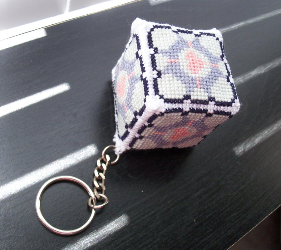 Weighted Companion Cube Cross-Stitch by lizardlea